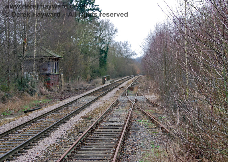 A shot from the end of Platform 2/3 shows that the line into the bay entered a bush!  The signal box is on the left. 28.01.2008