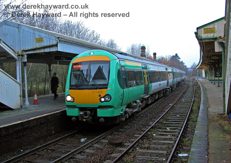 A 2005 view taken from the same position, with newly introduced 171802 delivering a few passengers off a southbound Uckfield service. 07.12.2005