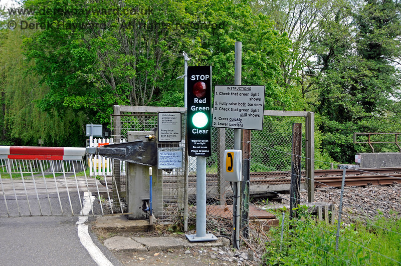 The new larger LED signals at Forge Farm Crossing, looking east. 29.05.2021 20589