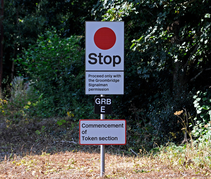 Stop board at the Commencement of the Token section upon leaving Eridge.  25.08.2019 17386