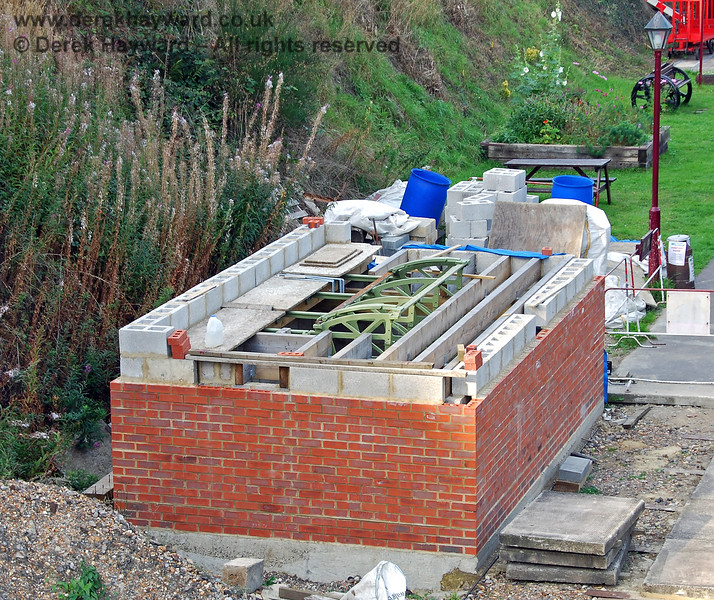 Later in the year progress on the Groombridge signal box continued with blockwork rising above the bricks. 14.09.2008
