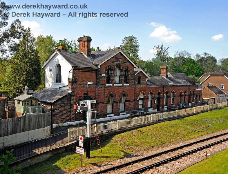 The platform side of the Groombridge Station building with the new eastbound Starting signal (out of service) in shot.  29.05.2021 20695