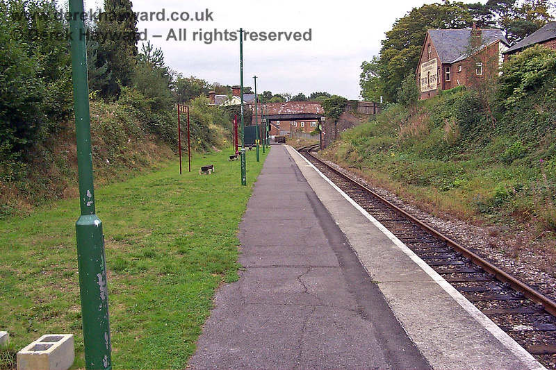Another view of the Groombridge Spa Valley Railway platform on 17.09.1998, this time looking east.