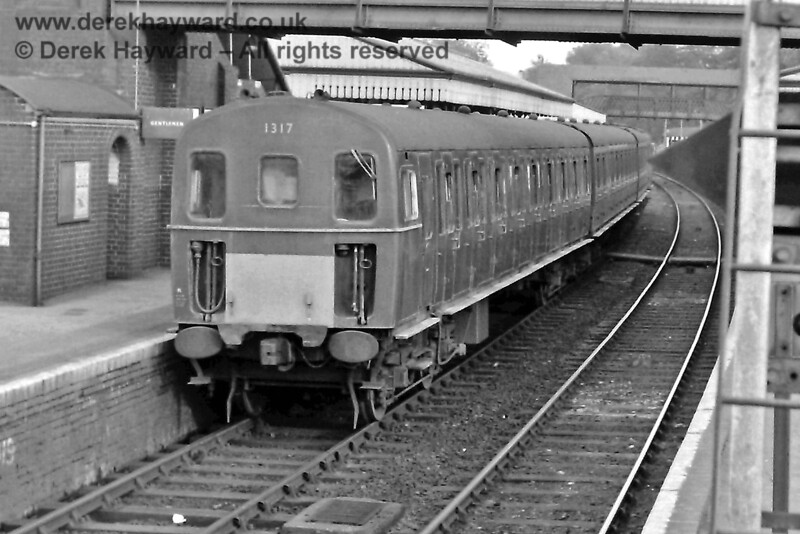 1317, in green livery, at Lingfield on the 18:48 from Oxted. Thursday 22.05.1969.  Eric Kemp retains all rights to this image.