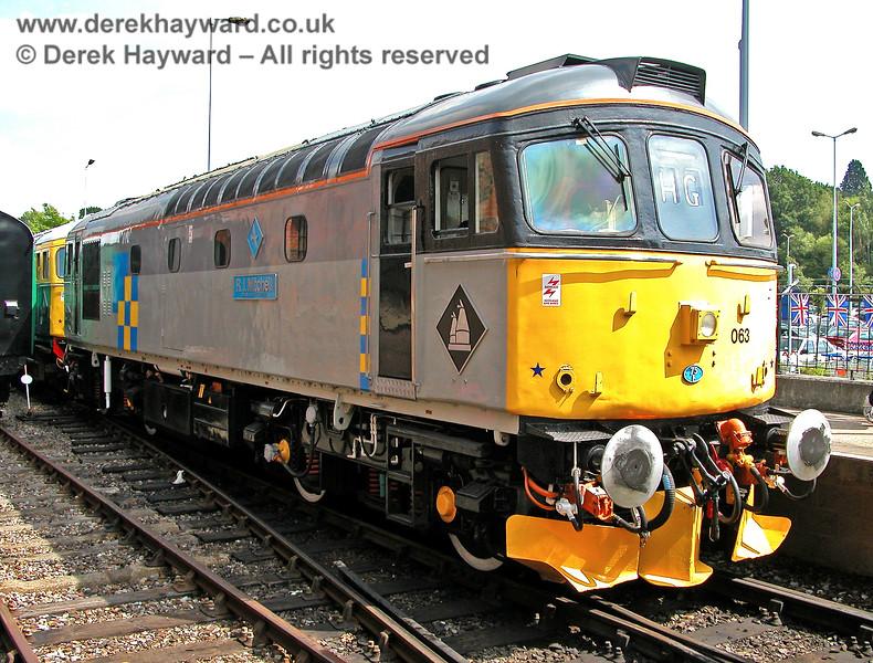 33063 at Tunbridge Wells West. 05.08.2006