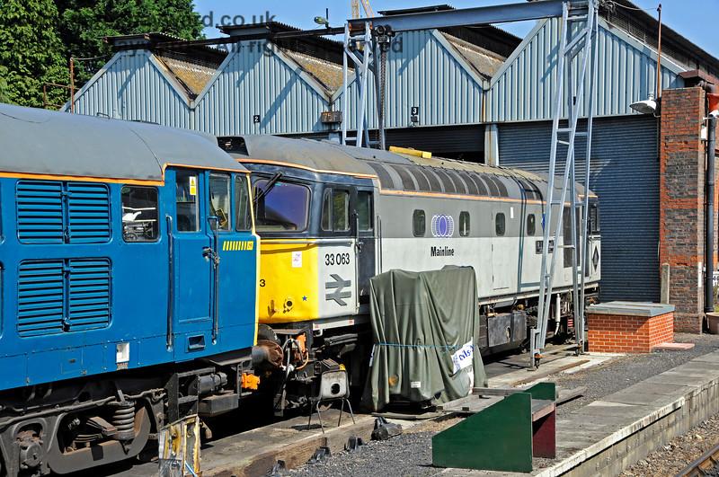 33063 outside Tunbridge Wells shed. 25.08.2019 20051
