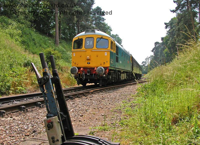 33065 Sealion approaching Groombridge station. 18.06.2006