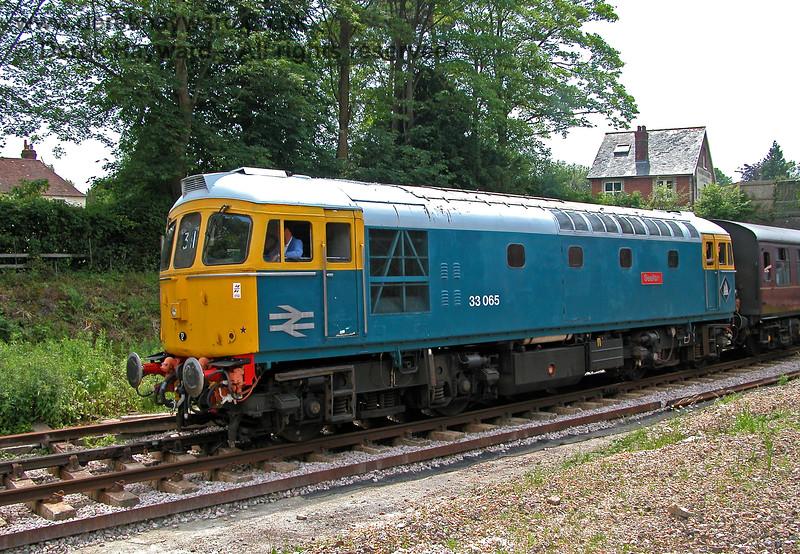 33065 Sealion leaving Groombridge. 18.06.2006