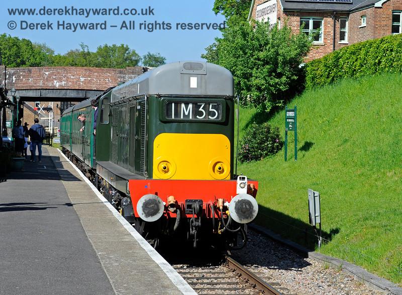 D8188 arriving at Groombridge. 30.05.2021 18151