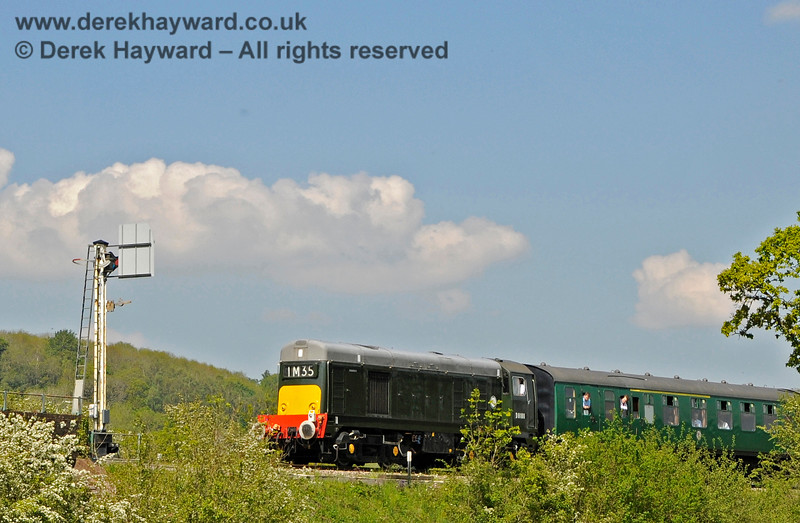 D8188 east of Groombridge, passing the Home signal. 29.05.2021 20675