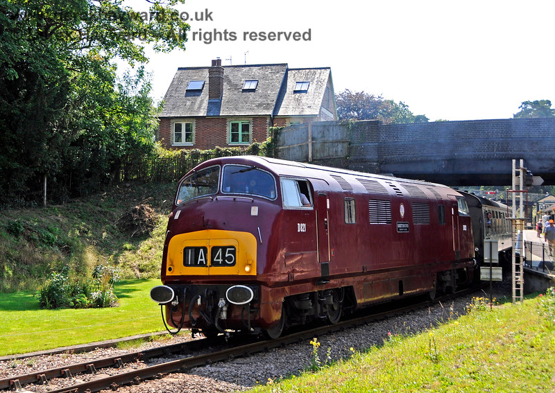 D821 leaving Groombridge. 25.08.2019 20061