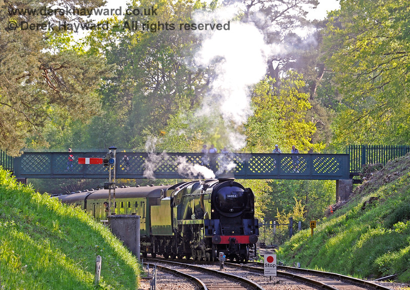 People watch from the footbridge as 34053 approaches Groombridge. 29.05.2021 18067