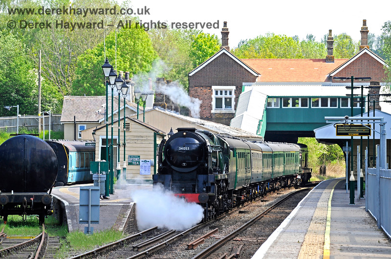 34053 sets off from Eridge. 29.05.2021 18021