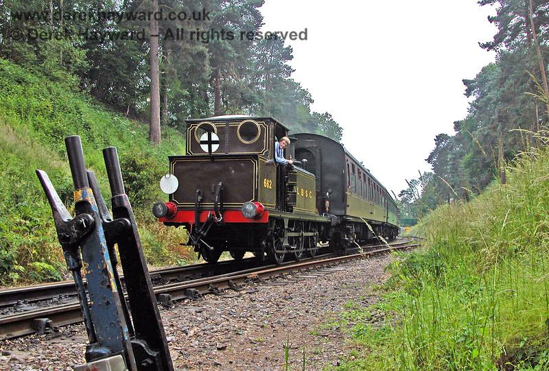 662 Martello hauling it's train into the platform at Groombridge. 18.06.2006