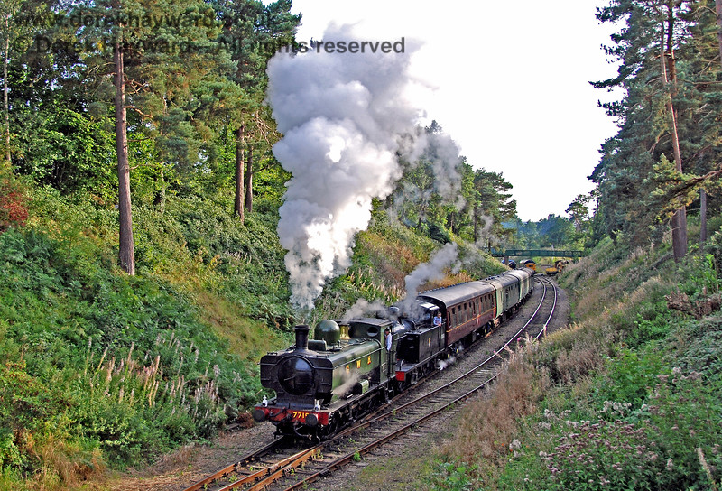 7715 (visiting) and 47493 (Jinty) haul a train towards the platform at Groombridge. 14.09.2008 0133