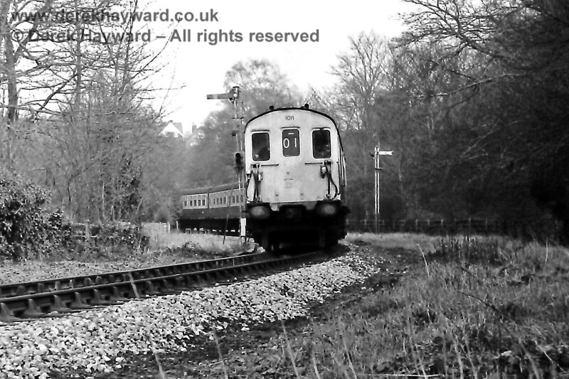 1011 and 1012 leaving Grove Junction and heading towards Tunbridge Wells West to refuel on Sunday 23.02.1975.   Mountfield Tunnel was closed at the time causing alterations to services that would normally have travelled to and from Hastings.  Eric Kemp retains all rights to this image.