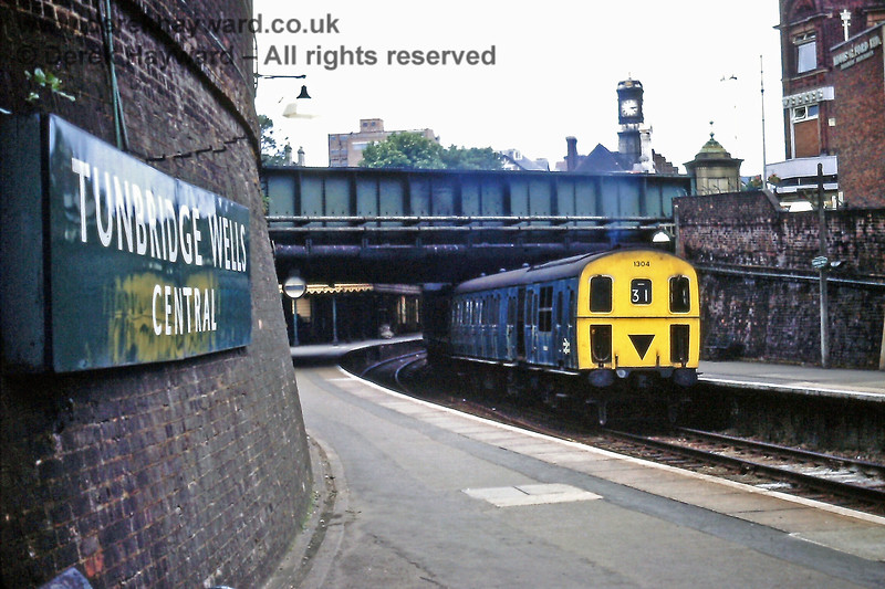 """Wandering away from the """"West"""" station this is Tunbridge Wells Central on Saturday 18.07.1970, with 1304 heading for Eridge.  Eric Kemp retains all rights to this image."""