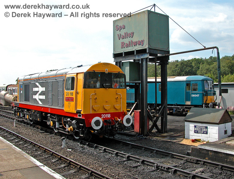 20118 and E6047 at Tunbridge Wells.  05.08.2006