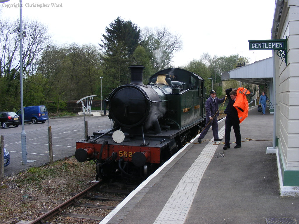 5521 in the engine release siding awaiting the next train from Tunbridge Wells