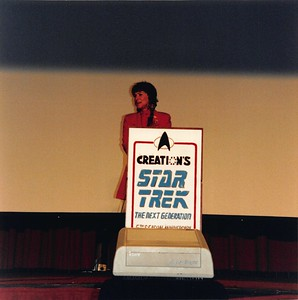 1992-03-27 StarTrek TNG Conference - 18