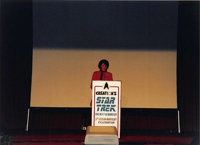 1992-03-27 StarTrek TNG Conference - 20