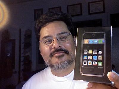 2007-06-30 iPhone unbox - 02