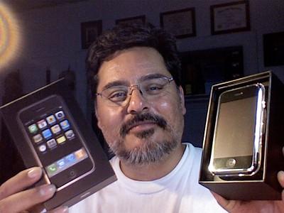 2007-06-30 iPhone unbox - 07
