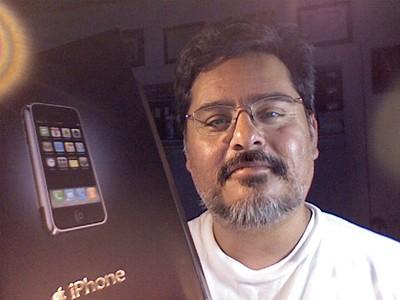 2007-06-30 iPhone unbox - 01