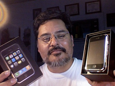 2007-06-30 iPhone unbox - 06