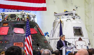 2:12PM -  Bob Cabana, director NASA Kennedy Space Center, addresses the press and social media folks