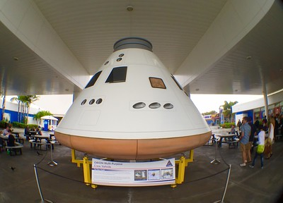 2015-12-18_Spirit-of-Exploration-KSC_06_Orion-mock-up