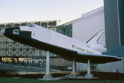 NASA_Space-Shuttle_wind-tunel-model_Moffett_Ames_Nov-1997_scan_WVB_1200px