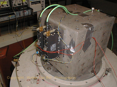 The KUBO's (Ku-Band Oscilator), during a vibration test at Alcatel-Bell.
