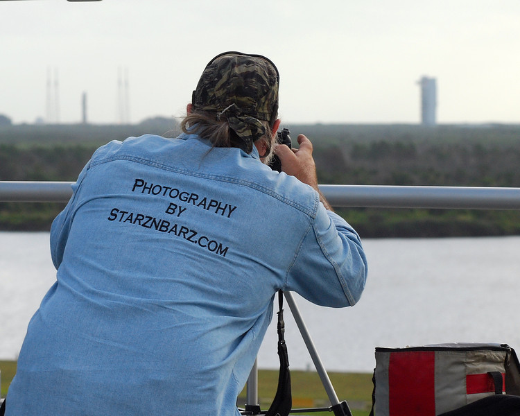Doing set up and test shots from the roof of the Launch Control Complex. The Atlas V rocket sits on pad 41 just over my left shoulder.
