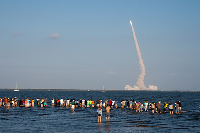 02/24/2011 - The final launch of Space Shuttle Discovery, STS-133.  This photo was taken by my dad.