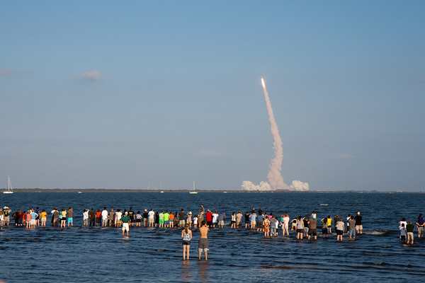 02/24/2011 - The final launch of Space Shuttle Discovery, STS-133