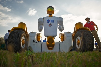 02/24/2011 -- Cape Canaveral, Florida -- The humanoid robot R2A Robonaut gazes eastward following the launch of space shuttle Discovery at Kennedy Space Center's news site. The shuttle will transport R2A's twin brother, R2B, to the International Space Station to undergo tests and perform tasks.