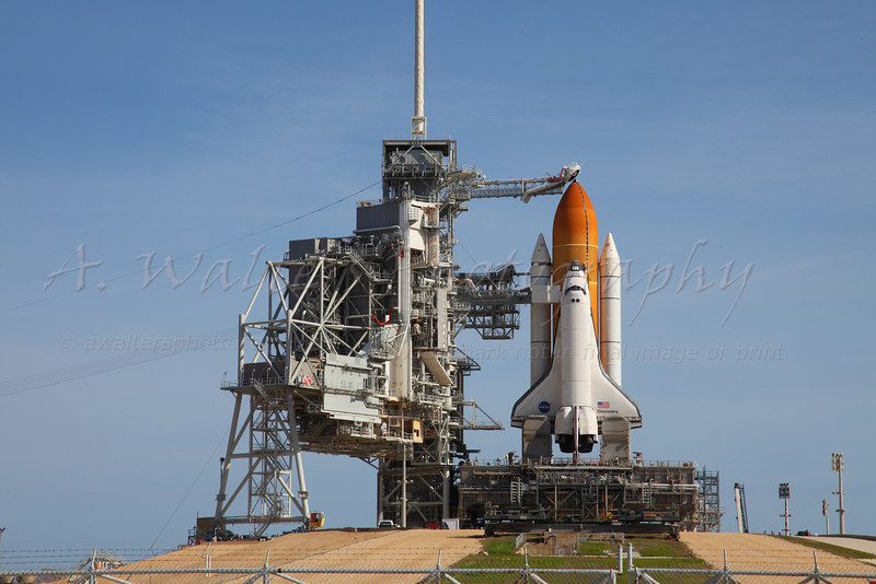 STS 131 Discovery on pad 39A after the RSS Rollback was complete - 4/4/2010