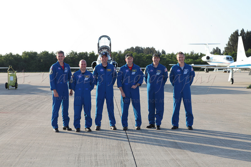 Crew Arrival STS132 at the SLF