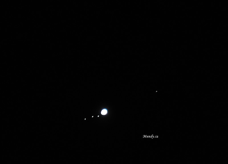Jupiter and 4 moons? ... (I wish I had a telescope!)<br /> <br /> Thanks to our neighbours Cassandra and Sal for letting my wife look in the telescope ...