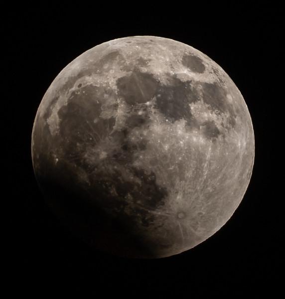 Lunar Eclipse of Super Wolf Blood Moon 1/20/19