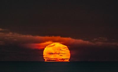 Near-Full Moon Rising Over Ocean Horizon 12/23/18