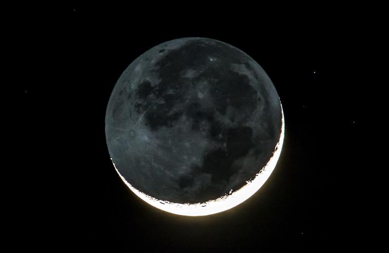 Waxing Crescent Moon with Earthshine 02/10/16