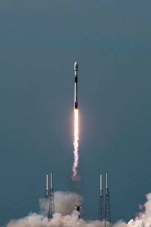 Falcon 9 leaving SLC-40