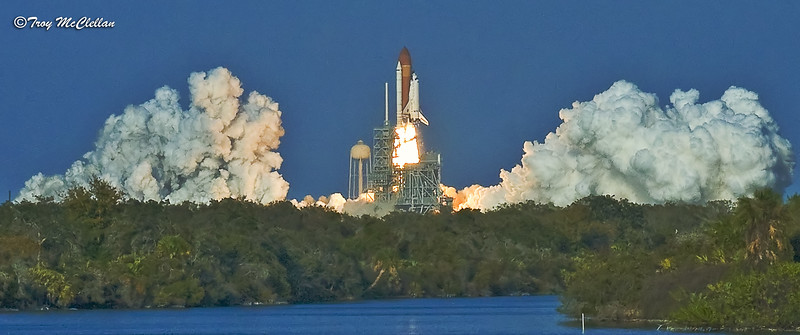 STS-133 Discovery Launch from KSC Press Site