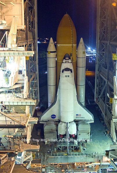 Discovery reaches the doors on its final trip to launch pad 39A