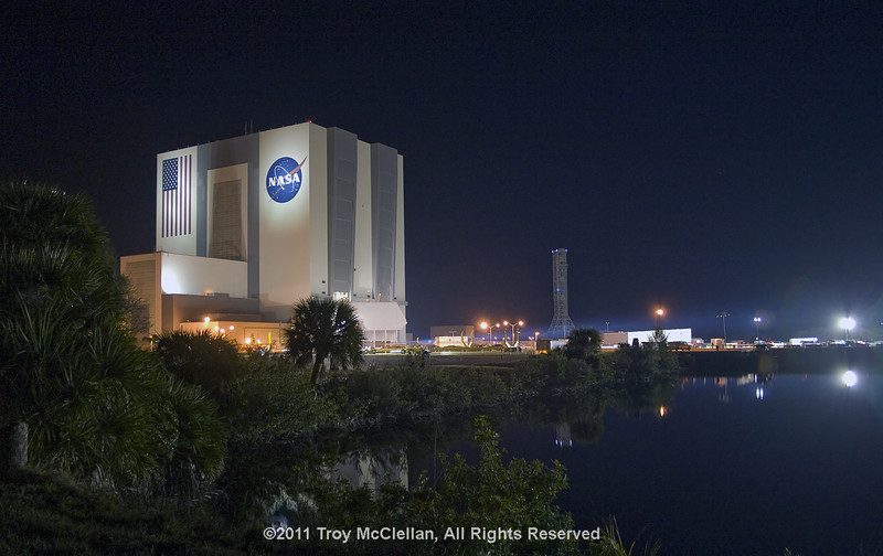 The VAB doors are now closed as Discovery moves closer to pad 39A.