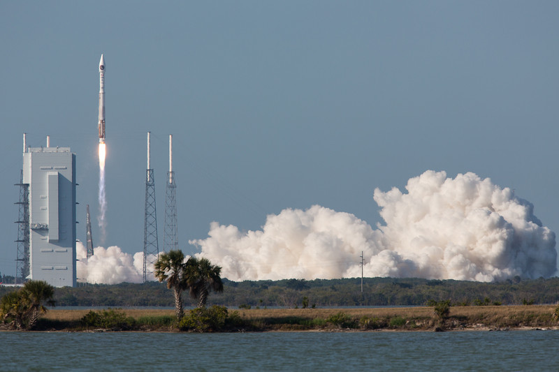 IMAGE: http://www.scriptunasimages.com/Spaceflight/USAF-SBIRS-Launch/i-Npxzkf4/0/L/WScriptunas_-3898-L.jpg