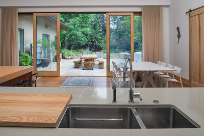 Kitchen Island with exterior (Guesthouse)