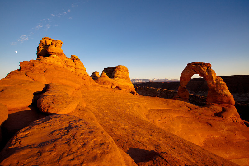 Delicate Arch with background of La Sal Mountains<br /> Arches National Park<br /> Moab, Utah
